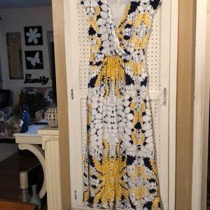 Dresses & Skirts - GAP Maxi Dress